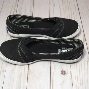 Keds Shoes - Ked's black with white slip on